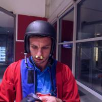 Petr Koukal testuje simulátor volného pádu!
