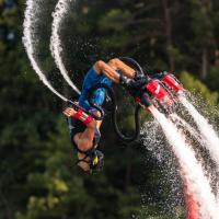 Flyboarding: Nejdřív vám v tom vymáchám čumák a pak vás vynesu až na světový pohár!