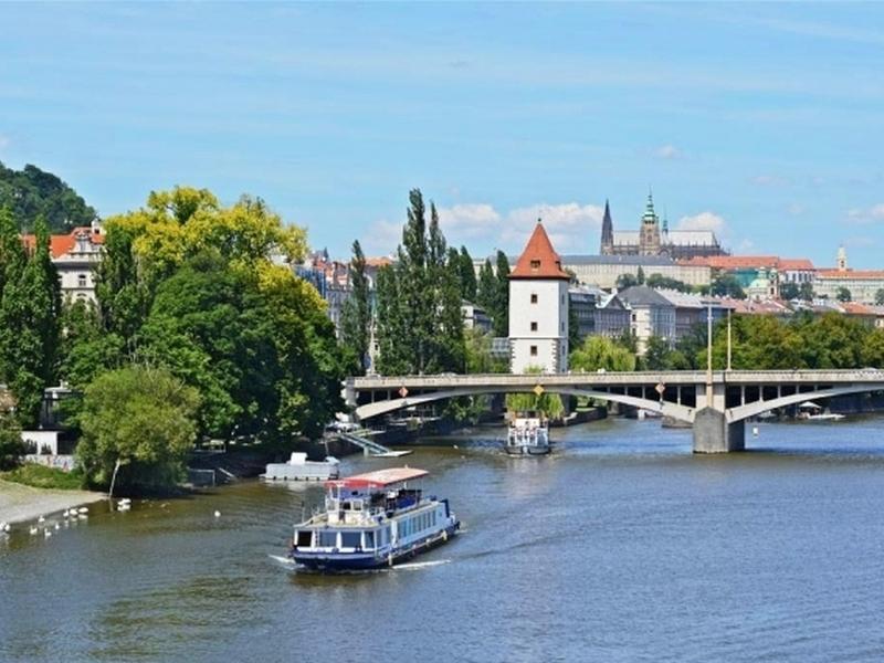Plavba lodí po Vltavě Praha