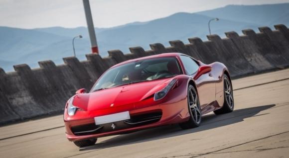 Jazda a šprint na Ferrari 458