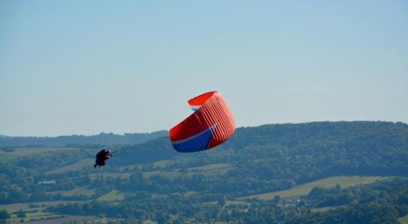 Akrobatický paragliding
