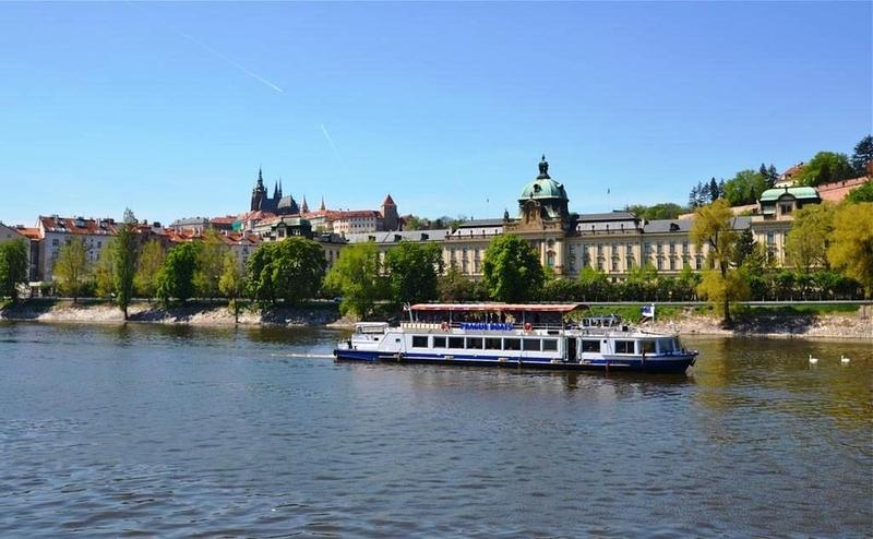 Plavba lodí pro skupiny Praha