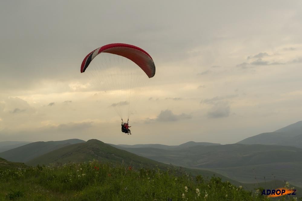 ilustrační obrázek ke slevové akci: Tandem paragliding