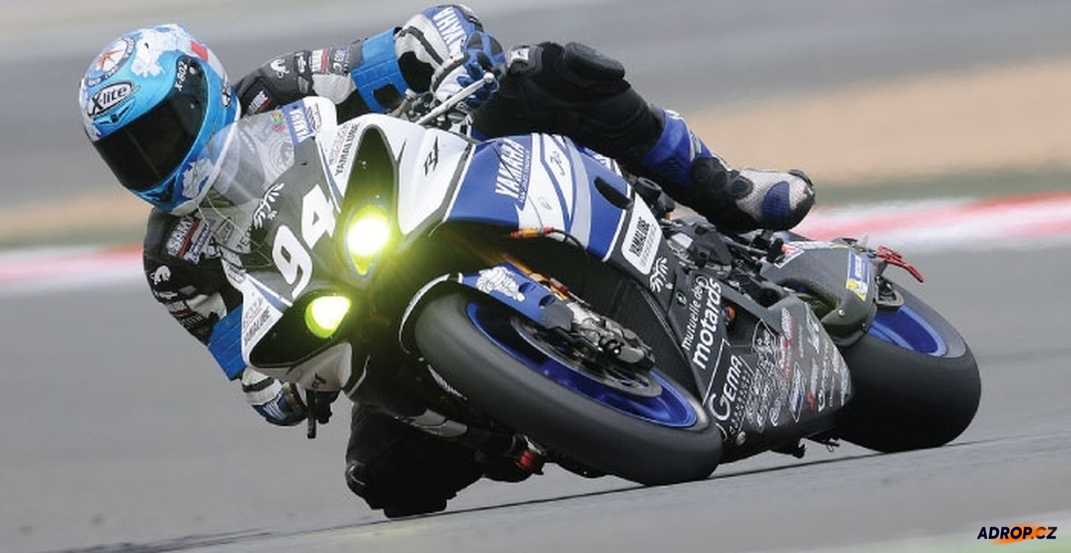 Jízda na závodní motorce
