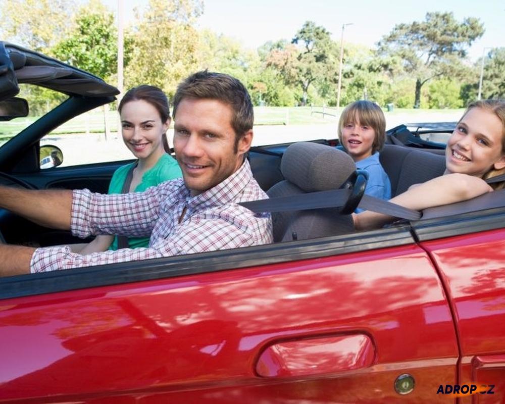 Rodina v autě