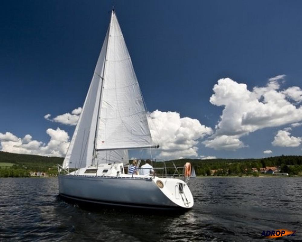 Romantická projížďka na plachetnici