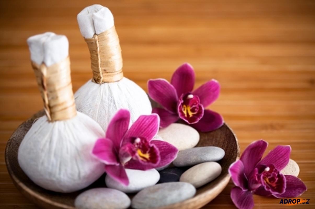 Thajská bylinná masáž
